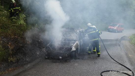 Intervencija: Krka - Hočevje, gori vozilo